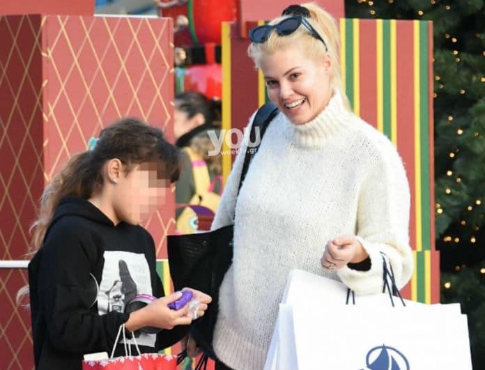 Μαρία Κορινθίου: Για Χριστουγεννιάτικες αγορές με την κόρη της Ισμήνη!