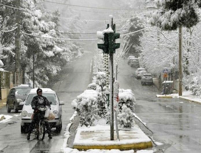 Έκτακτο δελτίο καιρού: Σφοδρές χιονοπτώσεις και και πτώση της θερμοκρασίας τα Χριστούγεννα!