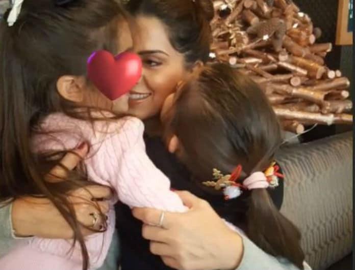 Σταματίνα Τσιμτσιλή: Η τρυφερή φωτογραφία με τις κορούλες της που μας συγκίνησε!