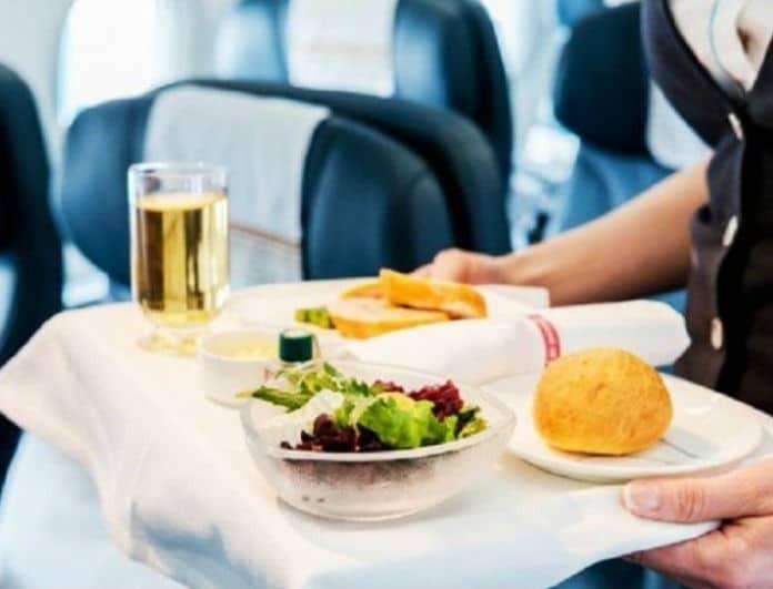 9+1 πράγματα που δεν ήξερες για το φαγητό του αεροπλάνου!