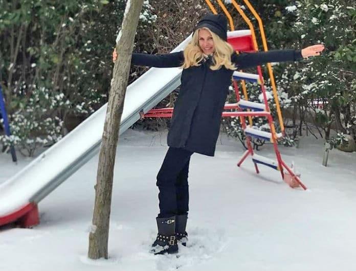Ελένη Μενεγάκη: Το τρυφερό βίντεο με τη Βαλέρια και τη Μαρινούλα να κάνουν τσουλήθρα στα χιόνια!