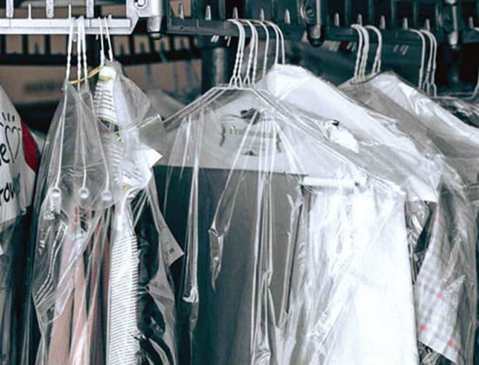 Πώς να πλύνετε μόνοι σας ρούχα που θέλουν στεγνό καθάρισμα;