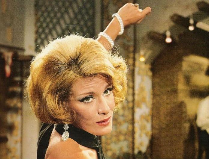 Έρχεται το «Μια κυρία στα Μπουζούκια»! Ποια πασίγνωστη Ελληνίδα θα αναλάβει το ρόλο της Μαίρης Χρονοπούλου;