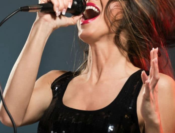 Πένθος για γνωστή Ελληνίδα τραγουδίστρια! Πέθανε ξαφνικά ο άντρας της από...