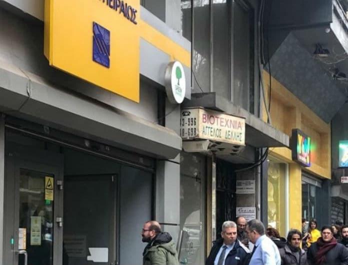 Συναγερμός στη Θεσσαλονίκη: Άντρας σε κατάσταση σοκ απειλεί να...