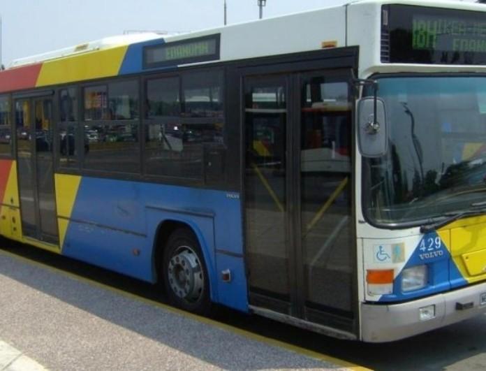Θεσσαλονίκη: Σύγκρουση αστικού λεωφορείου με ΙΧ - Νεκρός ο οδηγός