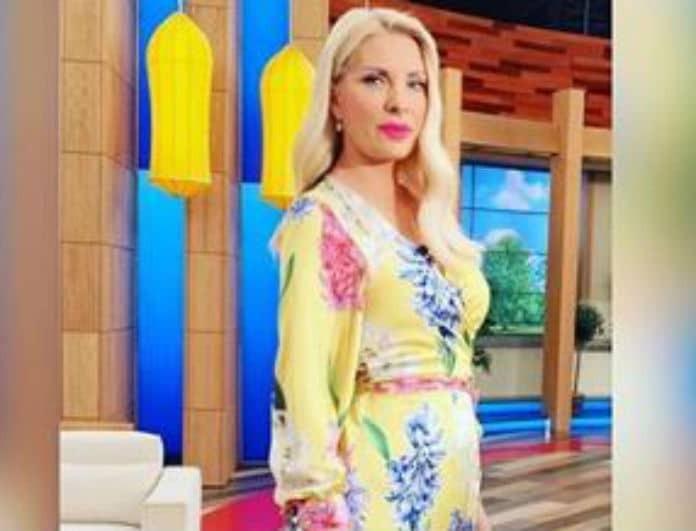 Ελένη Μενεγάκη  Βρήκαμε το φοβερό φόρεμα της παρουσιάστριας! - CELEBRITY  STYLE - YOU WEEKLY a16b1e9c8ab