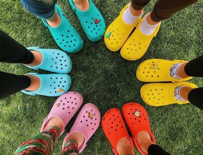 Crocs: Από παπούτσια... μεταμφιέζονται σε στυλάτες τσάντες!