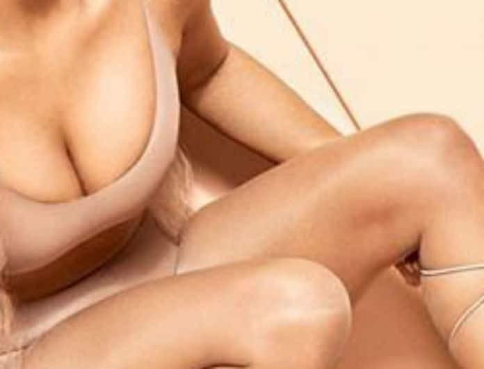Πασίγνωστη celebrity τρελαίνει το διαδίκτυο με την ημίγυμνη φωτογράφιση της!