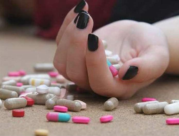 Πώς θα καταλάβετε αν κάποιος κάνει σκέψεις για αυτοκτονία; Όλα τα σημάδια!