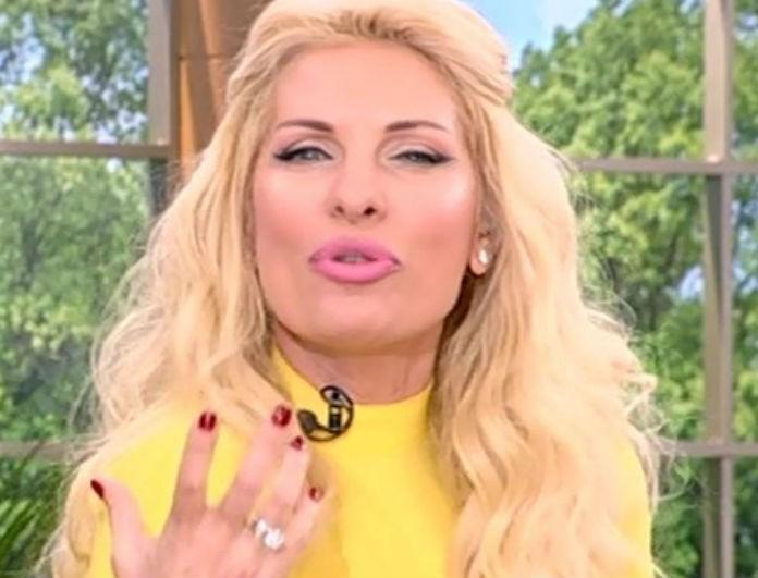 Ελένη Μενεγάκη  Το on air μήνυμα στον Μάκη Παντζόπουλο! - NEWS - YOU WEEKLY 2abf0ce5e58