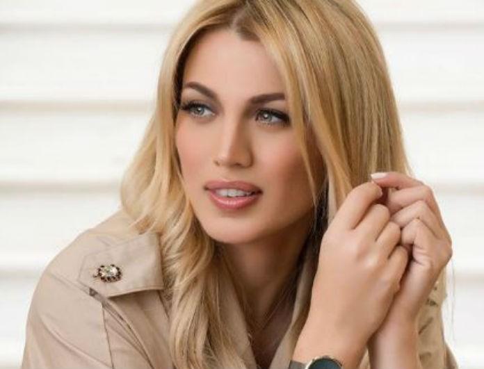 """Κωνσταντίνα Σπυροπούλου: Ποζάρει μόνο με την πετσέτα και """"ρίχνει"""" το Instagram!"""