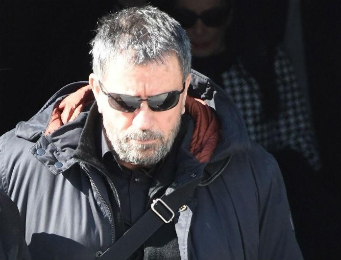 Καταρρακωμένος ο Σπύρος Παπαδόπουλος στην κηδεία του Βασίλη Λάσκαρη!