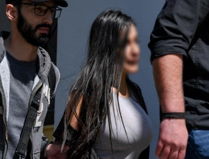 Τραγωδία στη Βούλα: Νέες αποκαλύψεις για την υπόθεση της 32χρονης που κατηγορείται ότι έριξε τον σύντροφό της από το μπαλκόνι - Καταγγέλλει ναρκωτικά και βία!