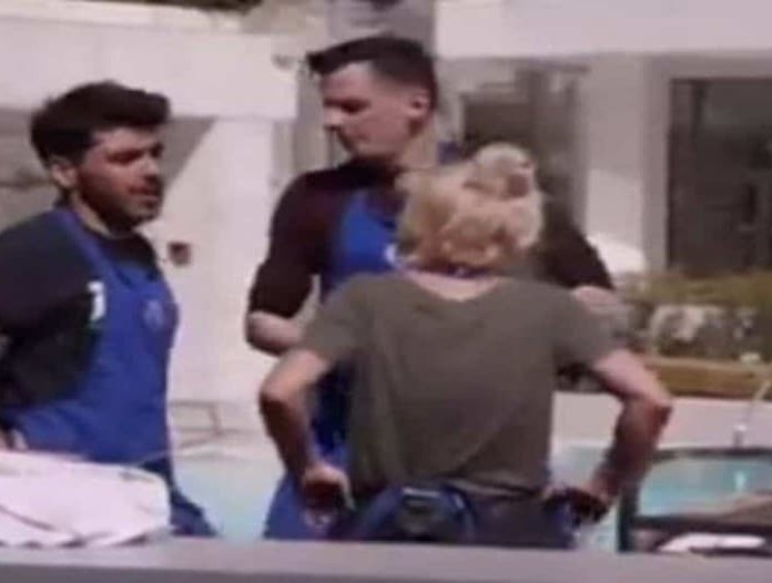 MasterChef: Ο Μανώλης είναι φανερά εκνευρισμένος με την ομάδα του! (βίντεο)