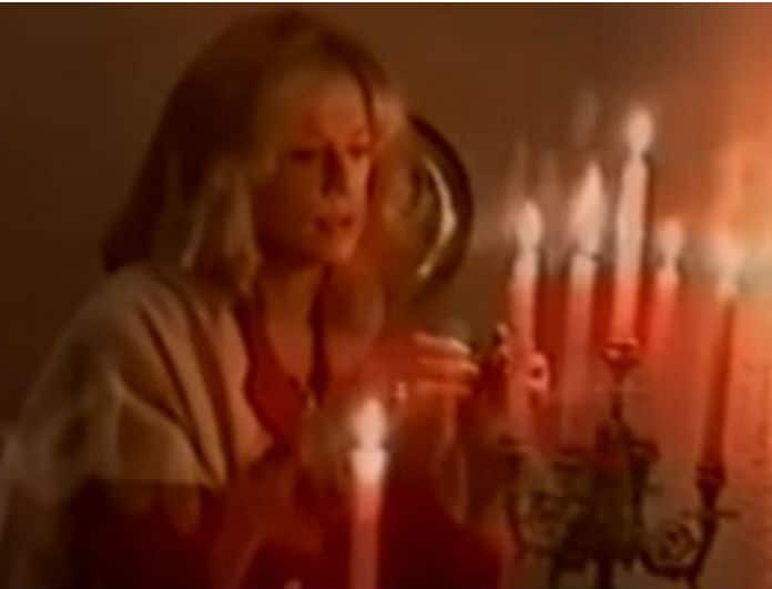 Αλίκη Βουγιουκλάκη: Το κρυφό βίντεο μέσα από το σπίτι στο Θεολόγο! Έκανε on camera...