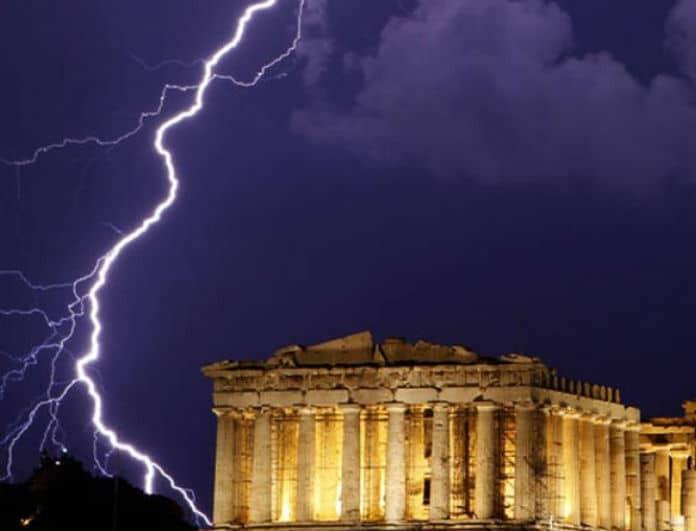 Κεραυνοί Ακρόπολη: Η εικόνα σοκ με τις πληγές στο σώμα της αρχαιοφύλακα!