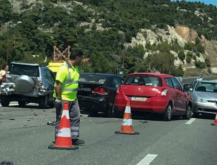 Κινέτα: Απίστευτη καραμπόλα στην Ε.Ο στο ρεύμα προς Αθήνα!