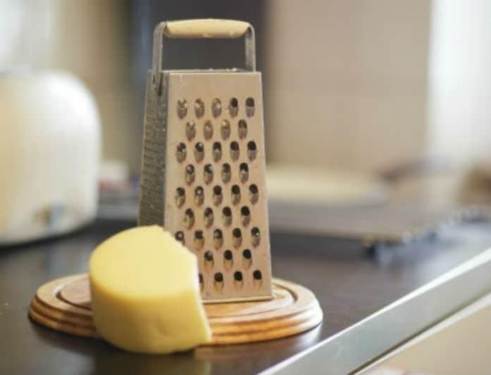 Τρίφτης τυριού: Ένας εύκολος τρόπος για να τον καθαρίσετε!