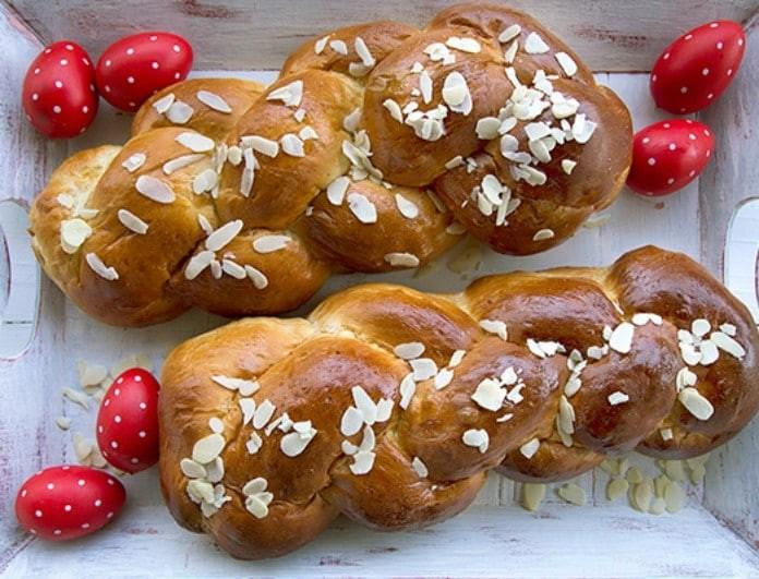 Φαίη Σκορδά: Αυτή είναι η συνταγή για πασχαλινά τσουρέκια που λατρεύουν τα παιδιά της!
