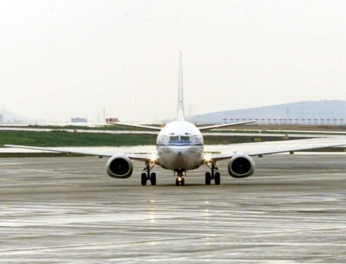 Αναγκαστική προσγείωση αεροπλάνου στο Ηράκλειο!
