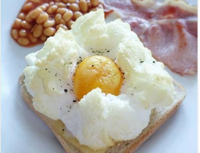 Αβγά σύννεφα: Η πιο νόστιμη συνταγή που κάνει χαμό στο Internet!