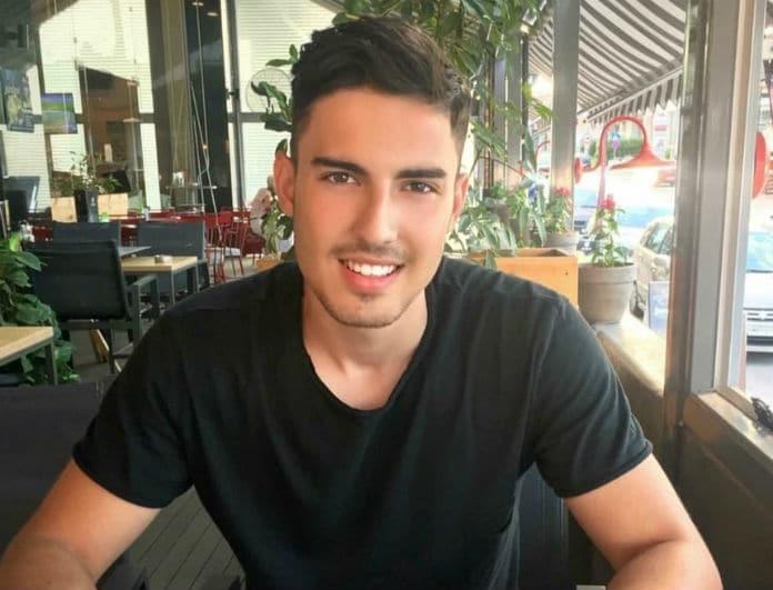 Αναγνωρίζετε τον κούκλο νεαρό της φωτογραφίας; Είναι ο αδερφός πασίγνωστης Ελληνίδας καλλονής!