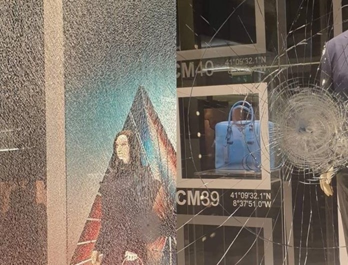 Κουκουλοφόροι τα έκαναν γυαλιά καρφιά στο κέντρο της Αθήνας! Καταστροφές σε καταστήματα!