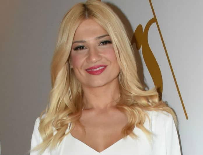 Φαίη Σκορδά: Το total white look που θα θες να αντιγράψεις φέτος το καλοκαίρι!