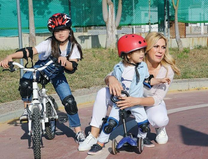 Κατερίνα Καραβάτου: Χωρίς τον Κρατερό Κατσούλη! Μαθήματα οδήγησης με τις αδυναμίες της ζωής της!
