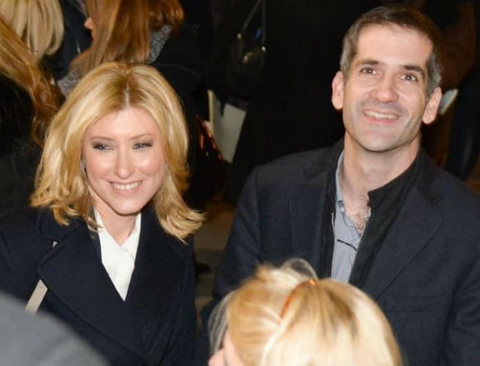 Σία Κοσιώνη - Κώστας Μπακογιάννης: Ευχάριστες στιγμές για το ζευγάρι! Χαμογελά στο πλευρό του συζύγου της!