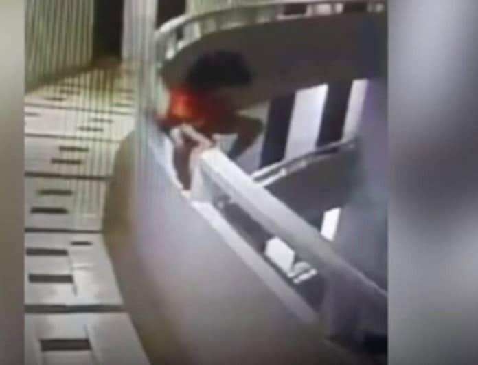 Bίντεο-ανατριχίλα! Πεντάχρονη υπνοβατεί και πέφτει από τον 11ο όροφο!