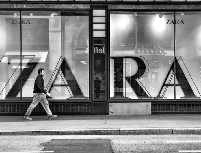 Zara: Το πουκάμισο με κεντήματα και διάτρητο σχέδιο από τη νέα συλλογή έχει άρωμα Μυκόνου και τρελαίνει!