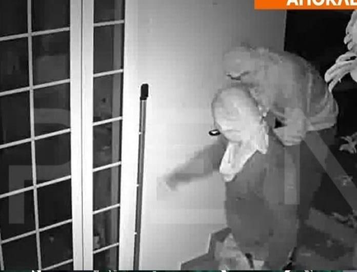 Βίντεο ντοκουμέντο από τη σπείρα που άδειαζε σπίτια ποδοσφαιριστών στα νότια προάστια!