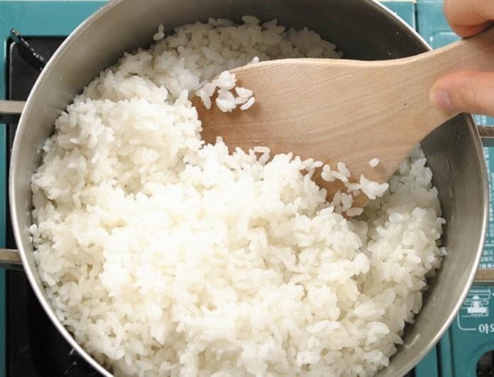Μεγάλη προσοχή! Αν φας το χθεσινό ρύζι υπάρχει μεγάλος κίνδυνος να...