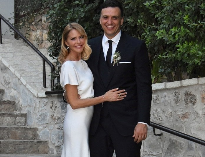 Γάμος Μπαλατσινού - Κικίλια: Το θερμό φιλί των νεόνυμφων!