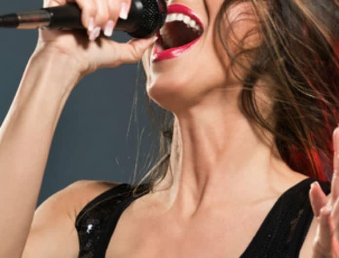 Ελληνίδα τραγουδίστρια έμεινε έγκυος από παντρεμένο τραγουδιστή! Την έστειλε Αμερική!