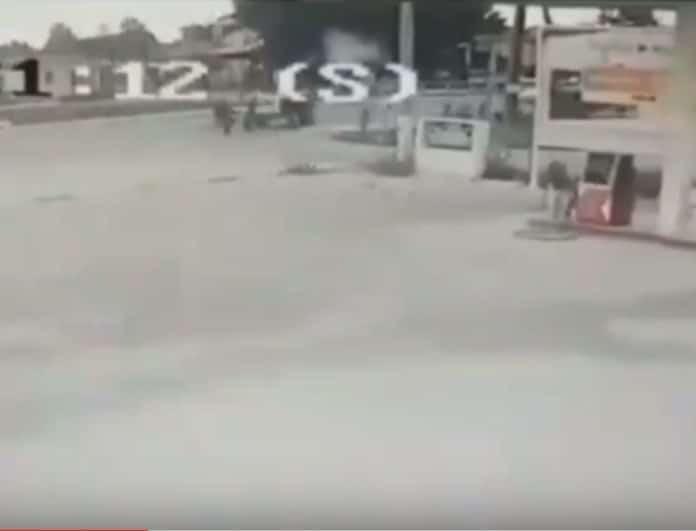 Σοκαριστικό βίντεο από τα Τρίκαλα: Τρακτέρ παρασύρει ποδηλάτη!