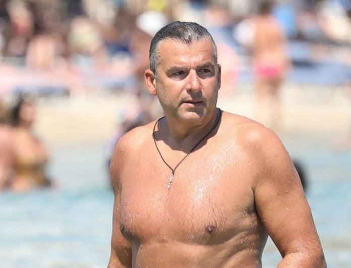Γιώργος Λιάγκας: Έβγαλε το κορμί του σε παραλία της Μυκόνου! Αρετουσάριστες φωτογραφίες με την... αλήθεια!
