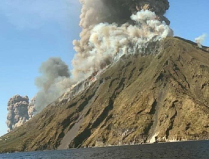 Σοκ! Εξερράγη ηφαίστειο! Ένας νεκρός μέχρι τώρα!