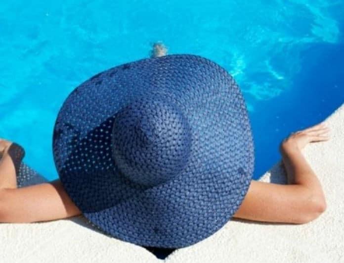 «Υπάρχει περίπτωση να κολλήσω κάποιο μικρόβιο από το μπάνιο στην πισίνα;» O γυναικολόγος του Youweekly.gr απαντά!