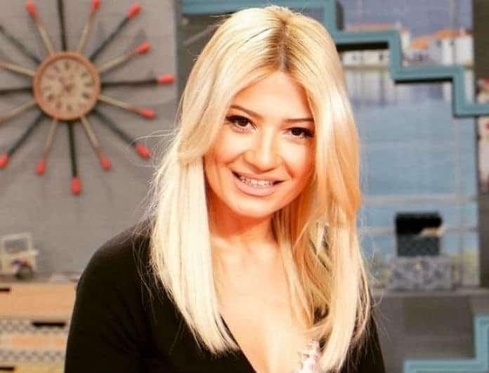 Φαίη Σκορδά: Άφησε τον Λιάγκα στην εξοχικο, πήρε τα παιδιά και συνέχισε τις διακοπές!