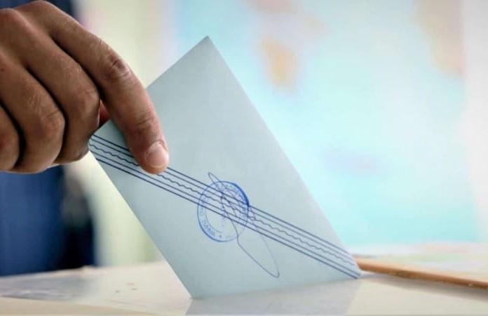 Απίστευτο! Αυτός ο ψηφοφόρος κάνει τον γύρο του διαδικτύου!