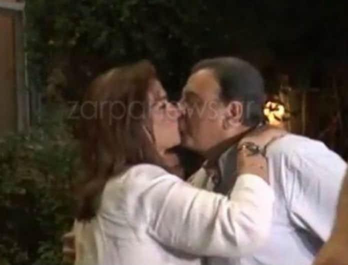 Εκλογές 2019: Το καυτό φιλί στο στόμα από την Ντόρα Μπακογιάννη! (Βίντεο)