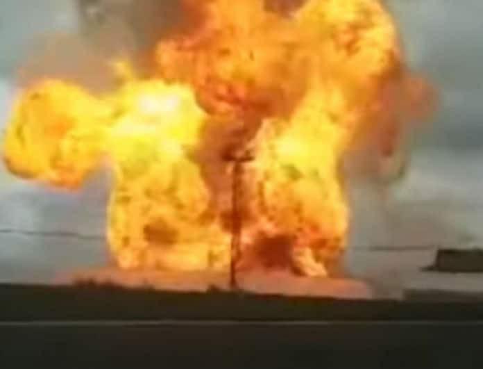 Μεγάλη φωτιά σε θερμοηλεκτρικό σταθμό! Στα 50 μέτρα ύψος οι φλόγες! (Βίντεο)