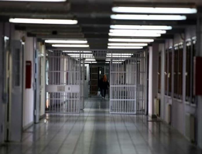 Συναγερμός στις φυλακές Χίου: Μαχαίρωσαν τον...
