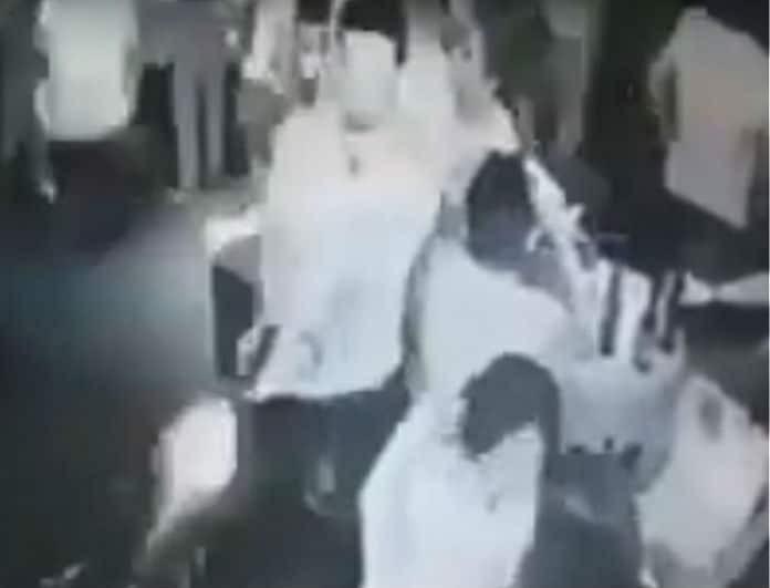 Βίντεο-σοκ! Αιματηρό επεισόδιο σε μπαρ! Ένοπλος σκότωσε εν ψυχρώ 5 ανθρώπους!