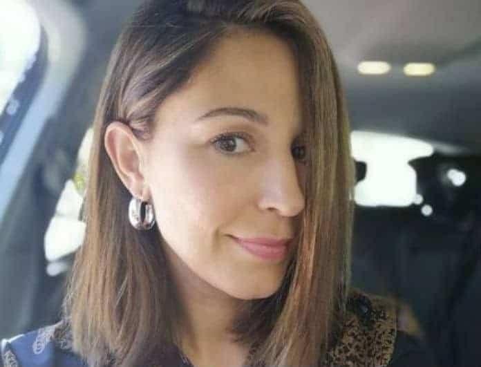Κατερίνα Παπουτσάκη: Θηλάζει δημόσια στο καράβι!