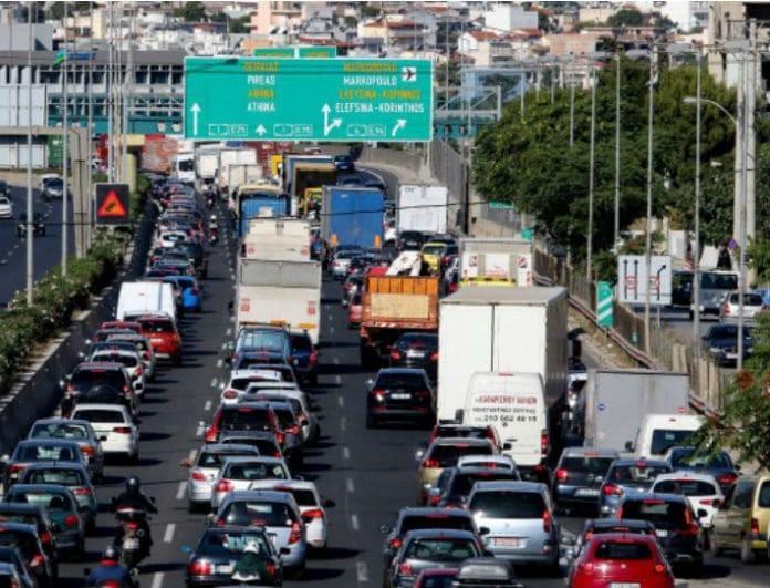 Κίνηση στους δρόμους: Κυκλοφοριακό χάος στην εθνική οδό!