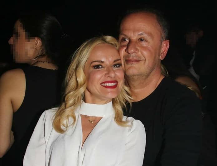Μαρία Μπεκατώρου: «Είσαι η χαρά μου»! Η τρυφερή αγκαλιά με άντρα που δεν είναι ο σύζυγός της!